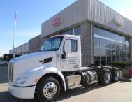 New-Model-579-Day-Cab2-paclease